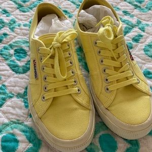 EUC Superga Sneakers in Limelight ~ Size 39/8